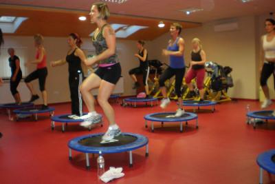 Step aerobic közben..